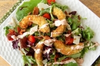 Салат с хрустящим авокадо
