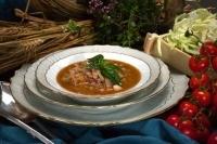 Овощной суп с беконом и салями