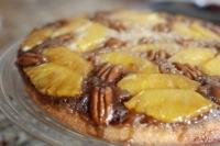 Пирог с ананасами и орехами