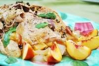 Курица с персиками, каперсами и рисом