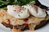 Бутерброд Монте-Кристо с яйцом-пашот