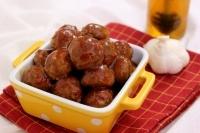 Фрикадельки с медово-чесночным соусом