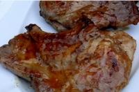 Свиные отбивные с арикосовой глазурью